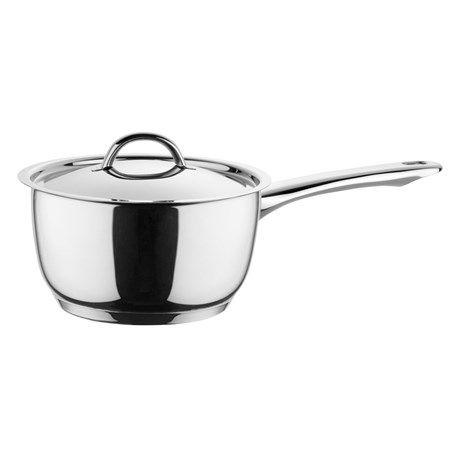 Solid kasserolle som har bunn med tre lag og er produsert av rustfritt stål. Kasserollen tåler maskinoppvask og kan brukes på alle typer platetopper.