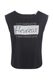 Affichez votre joie de vivre avec ce t-shirt printé au look tendance. Mixez le t-shirt avec un jean slim et des low boots en cuir. T-shirt à imprimé, coupe fluide. Col rond, manches courtes. Imprimé message