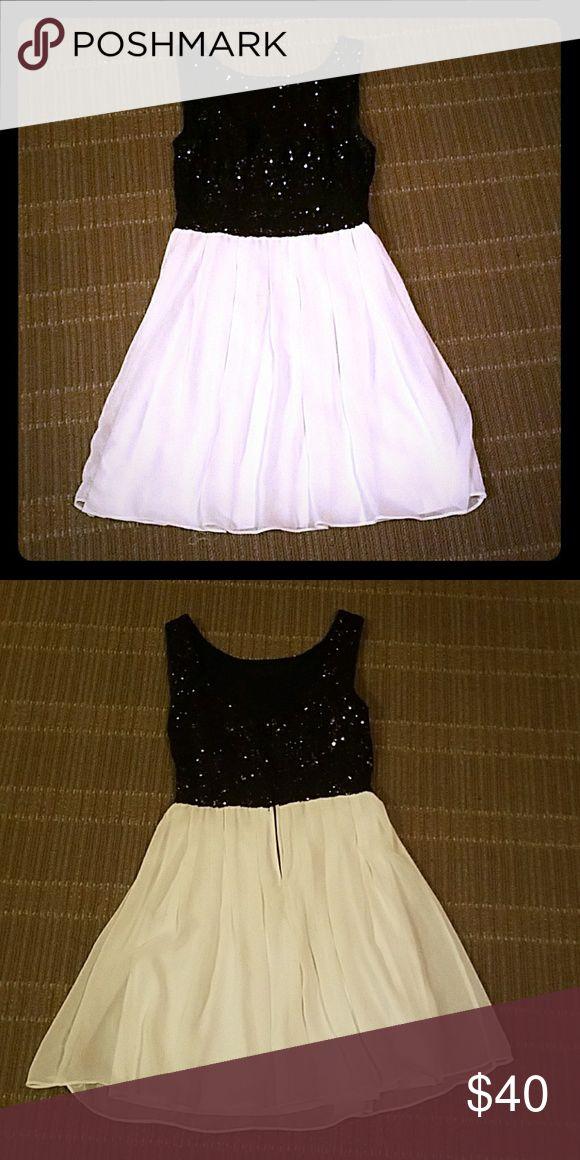 Dillard's B.Darlin Black and white sequin dress Size 3/4 B Darlin Dresses Prom
