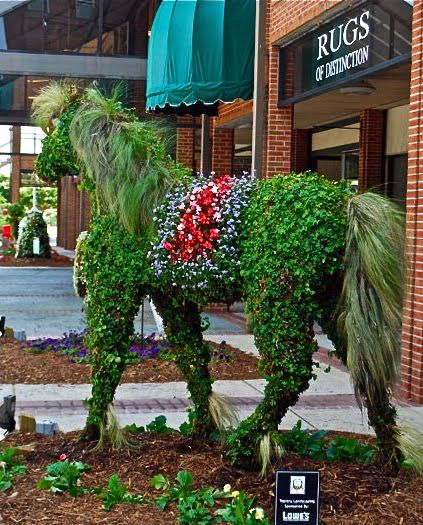 Amazing Topiary: 431 Best Images About Equine Sculpture 5 / On Pinterest