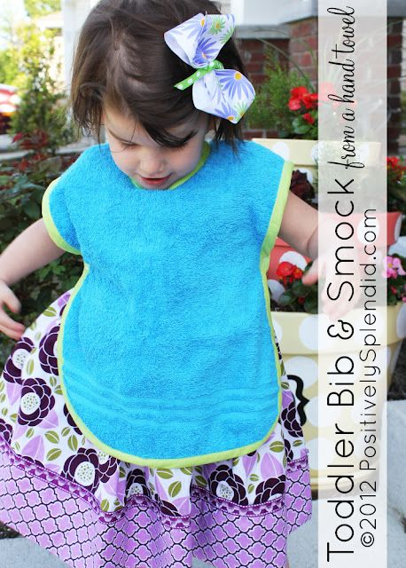 Stitch a toddler bib and smock with a pattern and how-to on Positively Splendid.: Recipe, Sewing Projects, Splendid Crafts, Positive Splendid, Toddlers Bibs, Home Decor, Baby, Hands Towels, Smocking Patterns