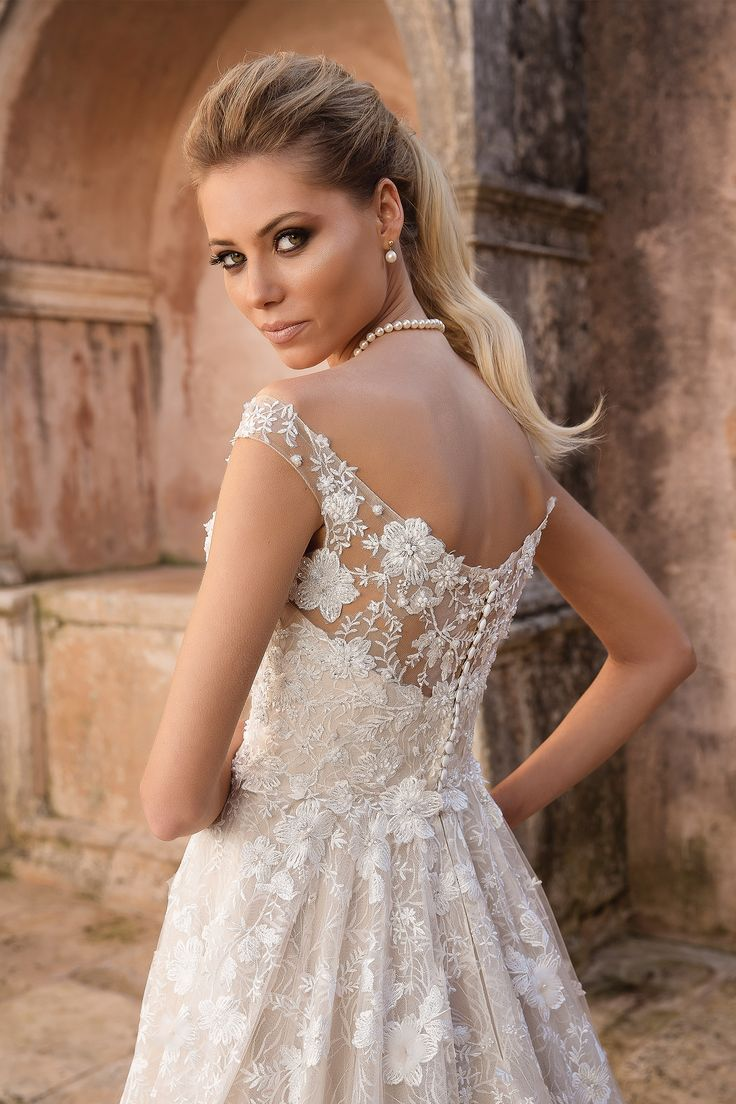 Pin on Prom Dresses ♥ Hebeos