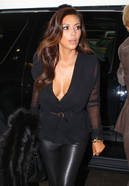 Kim Kardashian Photo – Kim Kardashian at the Airport in Miami 3
