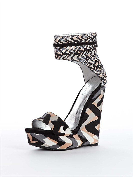 Love these funky offerings from the 2012 Donna Karan New York collection.