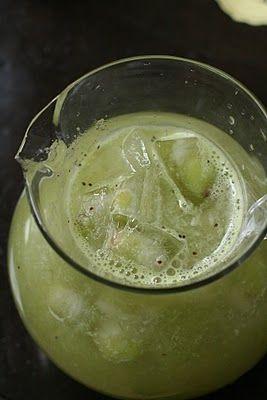 Green Beetle Juice (Lemonade mixed with pureed kiwi) Great idea for Halloween!: Bugs Birthday Parties, Halloween Parties, Pure Kiwi, Lemonade Mixed, Juice Lemonade, Green Beetles, Halloween Food, Great Ideas, Beetles Juice