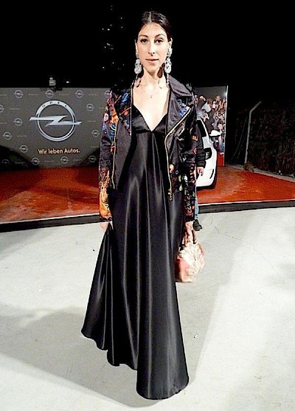 Michal Shapira is wearing Dori Csengeri #designearrings #Doricsengeri