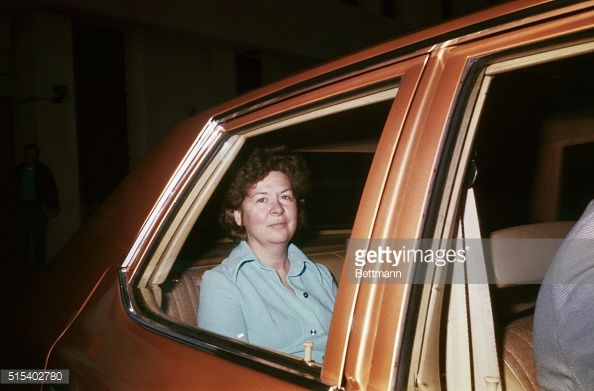 san-francisco-sara-jane-moore-accused-of-trying-to-assassinate-ford-picture-id515402780 (594×391)
