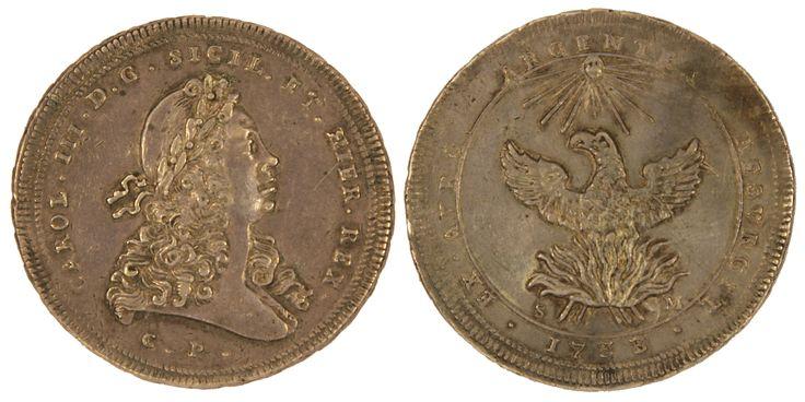 PALERMO - Carlo III (1720-1734) - oncia in argento da 30 Tarì 1733 - D/Testa laureata a d - C.P.; R/La Fenice ad ali spiegate risorge dalle fiamme -  sigle SM - Peso grammi 73,5/74 - diametro 67 mm - Moneta rara