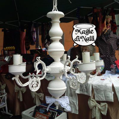Vecchio lampadario rivisitato in stile shabby chic #shabbychic #lampadario #vintage #stileshabby