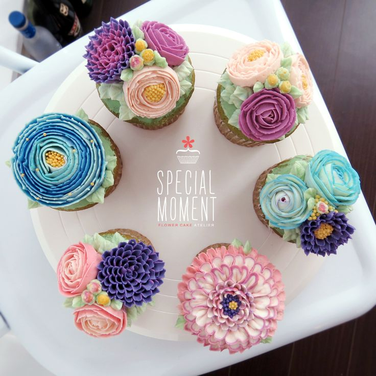 +Greentea chocolate flower buttercream cupcake for Mother's Birthday/butter cream cake/wedding cupcakes/cupcake decorating tips ... made by SPECIAL