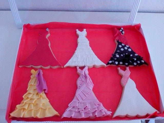 Galletas decoradas para Isabel Pantoja de los vestidos de sus conciertos, pedido realizado por su Club de fans
