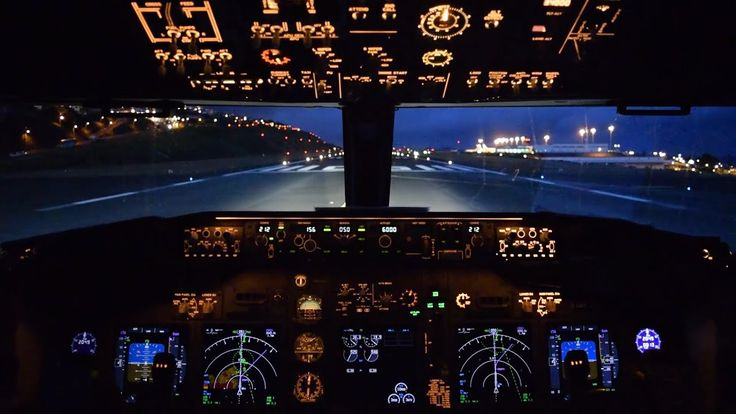 Boeing 737 cockpit take off from Madeira Funchal
