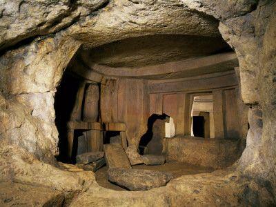 """Malta- Hypogeum of Hal-Saflieni (3300-3000) literally means """"underground"""" in greek"""