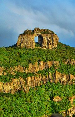 Pedra Furada em Urubici - Sta. Catarina - Brasil