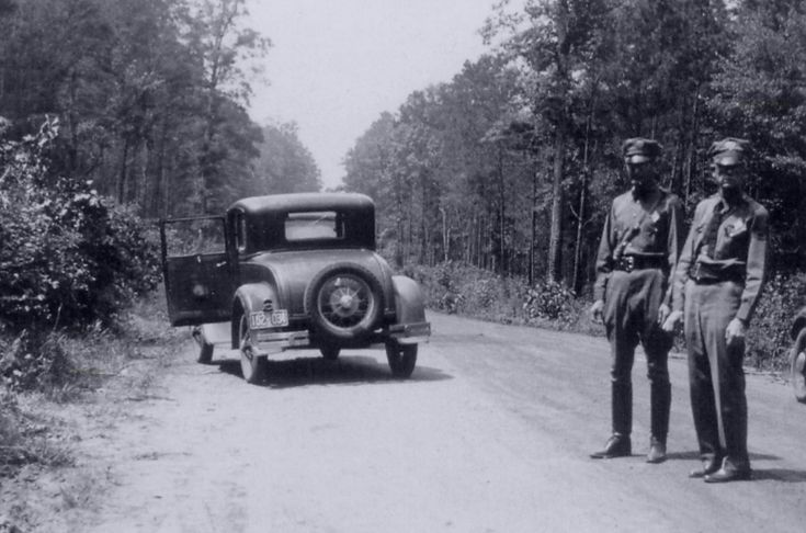 Bonnie and Clyde Ambush | This Day In History Bonnie And Clyde Died Barrow Ambush Site 1934 ...