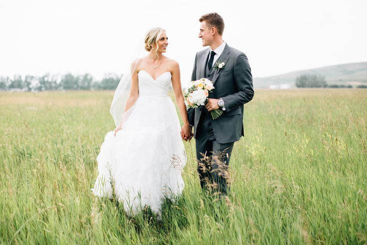 Michael & Michelle were married this past July at Sirocco Golf Club! Such a sweet couple!  www.flowersbyjanie.com  Photo: @heartsparrow