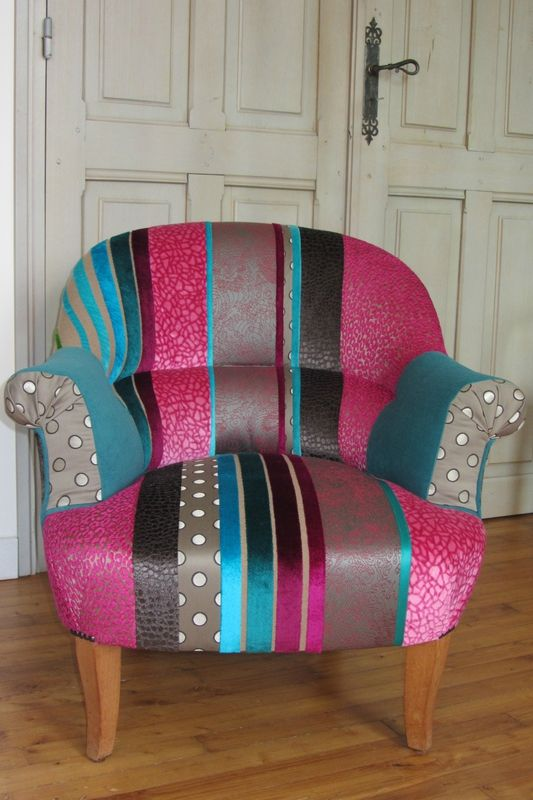 fauteuil crapaud réalisé en patchwork tapissier en Bretagne Tissus Cheetah Osborne & Little , Pulse Clarke&Clarke , Coquin JP Gaultier, Skin - Moyka - Kirkton Designer Guild et Amara Casal