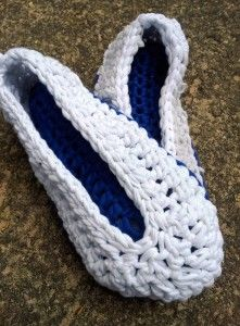 T-shirt Yarn Crochet Slippers Pattern and Tutorial - Look At What I Made