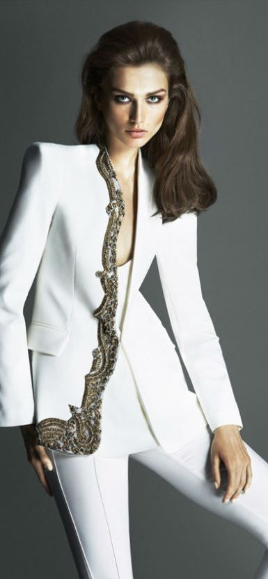 Ipekyol Fall Winter 2013/2014 Note to self: beautiful...might try it on both lapels for a slimming effect.
