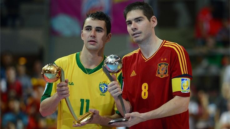 Brasil Pentacampeón | BANGKOK, THAILAND - NOVEMBER 18: Neto of Brazil is seen with the adidas Golden Ball Award and Kike of Spain is seen with the adidas Silver Ball Award after the FIFA Futsal World Cup Final at Indoor Stadium Huamark on November 18, 2012 in Bangkok, Thailand. (Photo by Lars Baron - FIFA/FIFA via Getty Images)