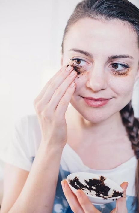 Is allergy season, stress or a lack of a good night's rest taking a toll on your eyes? Here are natural remedies to erase under-eye bags and dark circles.