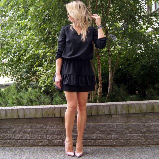 Sukienka Milano - można ją opisać w kilku słowach: subtelna elegancja, klasyka i wygoda! www.icobel.com