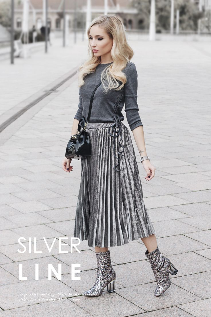Top: SheIn / Skirt: SheIn / Boots: Public Desire / Plastic Bag: SheIn / Jewelry: Thomas Sabo / Hair: Modandco Budapest.