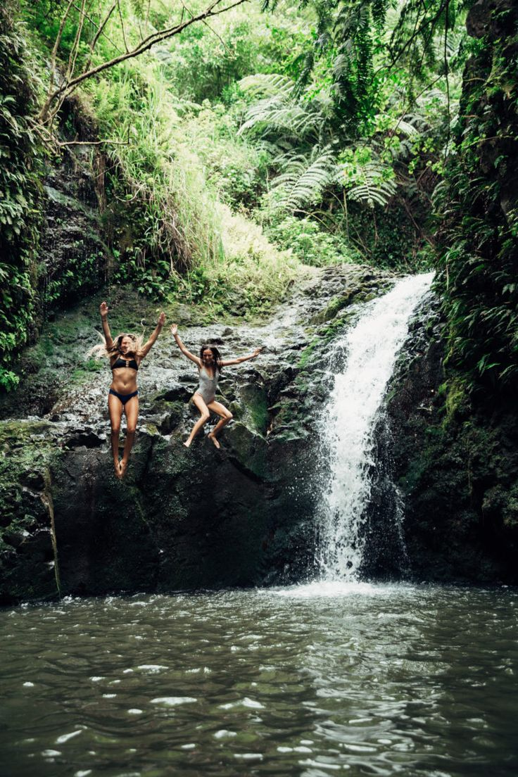 OAHU TRAVEL GUIDE: Jump off Maunowili Falls on Oahu. More Hawaii travel ideas on our site www.ourgoodadventure.com