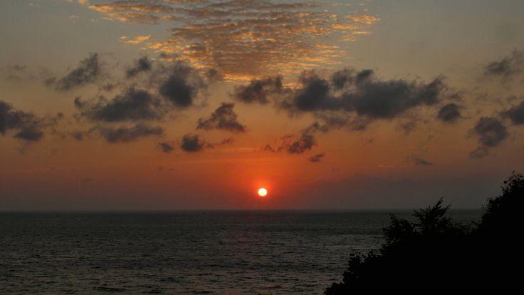 Bali Selang resort východ slunce. Sunrise. Dovolená Bali. Bali vacation....