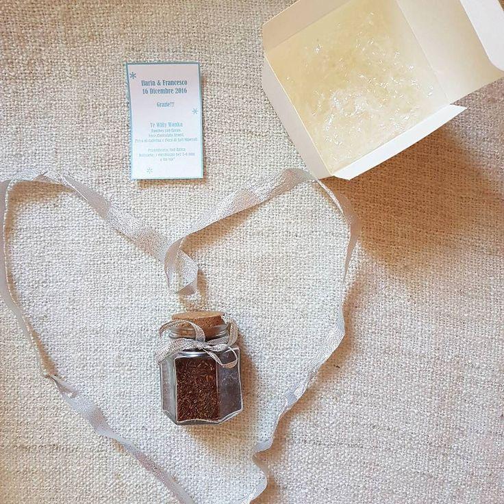 #Bomboniere personalizzate. Per un #matrimono a tema #cioccolato non potevamo scegliere #tè in foglie migliore: Willy Wonka di @teaworldshop.  #Event_ualmente #weddingplanner #fattocolcuore #Lecco