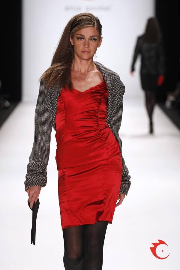 "anja gockel - trademark ""gockel red"" silk dress, fashionable bolero with oversized sleeves"