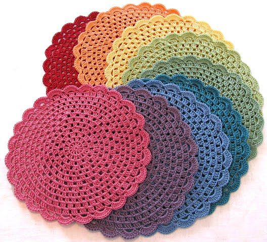 Crocheted placemats. ༺✿ƬⱤღ✿༻