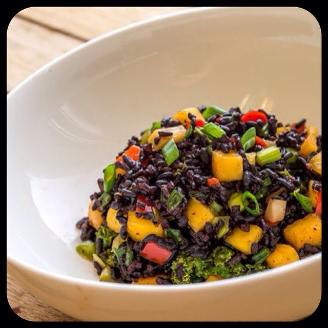 SALADA COLORIDA DE ARROZ NEGRO andreasantarosagarcia's photo on Instagram