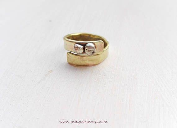 anello regolabile  in lamina di ottone con piccole pepite