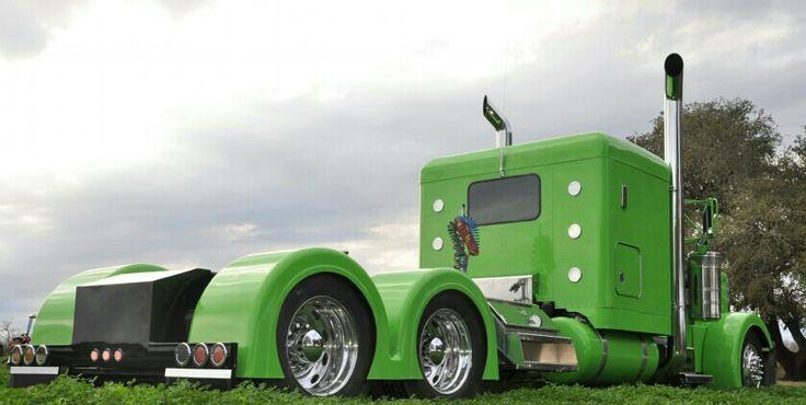 Green. Peterbilt Tractor Custom Show and shine trucks