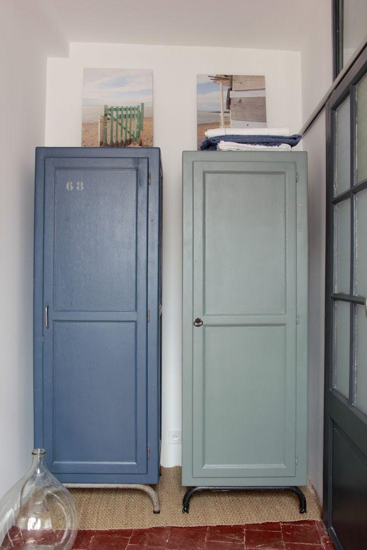 regardsetmaisons: Les vestiaires avec petit bleu et petit vert