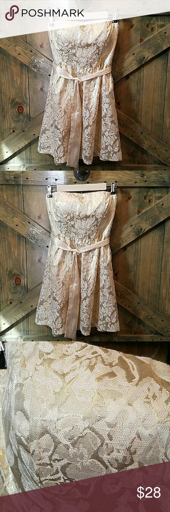 Gold party Dress Floral strapless with gold ribbon for belt. Excellent condition Forever 21 Dresses