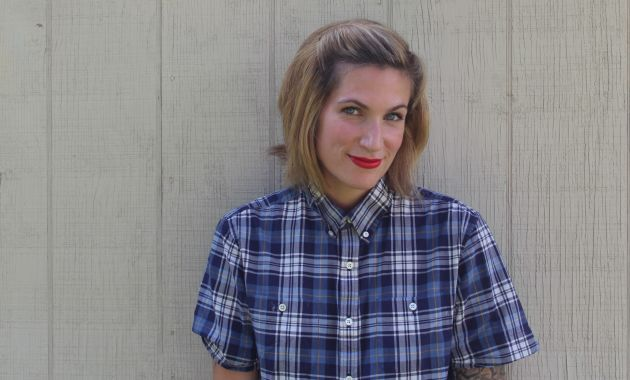 Slightly Retro (and Easy) Hairstyles Using Side Combs