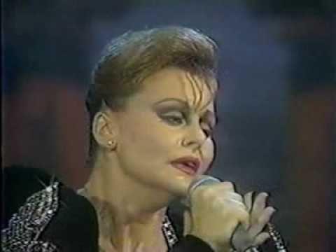 Rocío Dúrcal - Amor eterno, Rocío llora... - YouTube