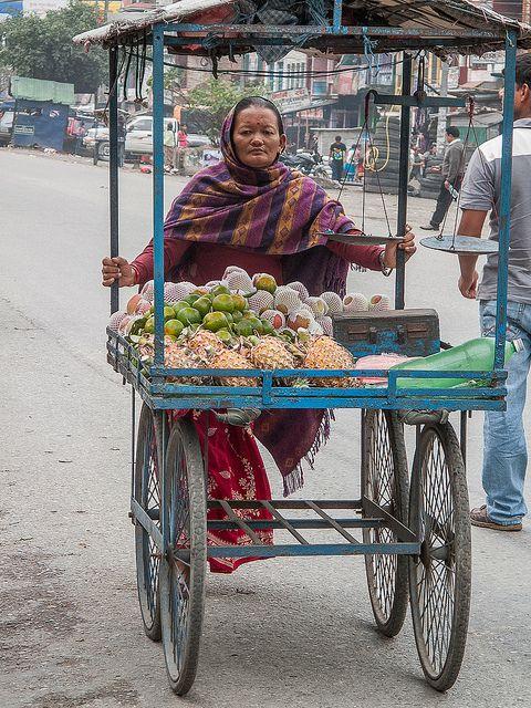 Nepal : Fruit Seller