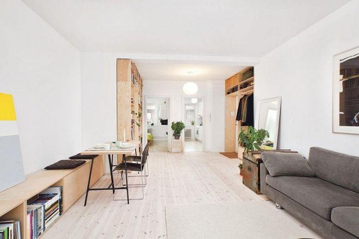 Idée déco Inspiration : aménager des rangements dans l'entrée d'un studio http://www.leblogdeco.fr/inspiration-amenager-des-rangements-dans-lentree-dun-studio/ bibliothèque, dressing, inspiration, Rangement, studio