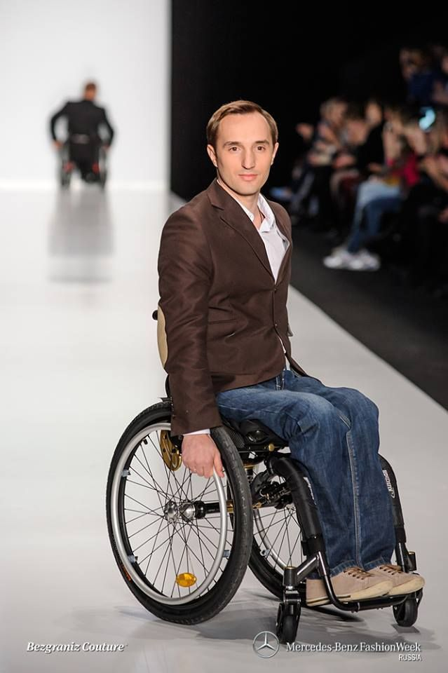 Mercedes Benz Fashion Week. Wheelchair fashion.