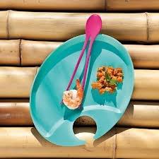 Funkcjonalne pałeczki Twinny niemieckiej marki Koziol. Pałeczki zostały wykonane z najwyższej jakości tworzywa sztucznego. Sztućce te nadają się do spożywania sushi i wielu innych dań. Produkt dostępny jest w kilku wersjach kolorystycznych.