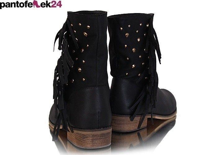 Workery w kolorze czarnym z frędzlami i złotymi elemntami/ Black boots with gold elemnts / 59,90 PLN #black #winter #autumn #fashion #boots
