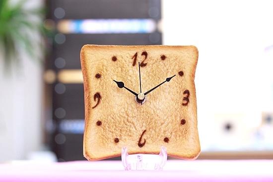 시계 토스트