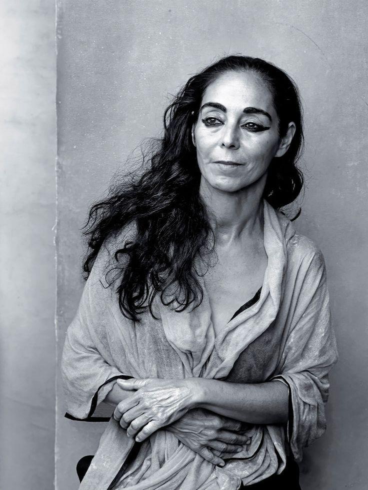 Pirellis' 2016 Calendar Replaces Sexy Stars With Influential Women. It will feature thinkers, athletes, businesspeople and other inspiring elites from the world of women.