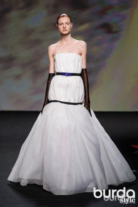 Праздничные наряды в новой коллекции Christian Dior Couture #burdastyle #burda #мода #fashion