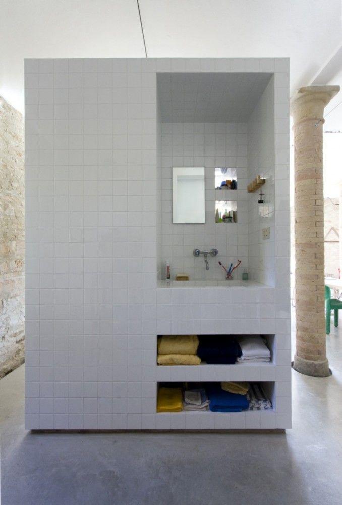 Tile and Concrete / Francesco Di Gregorio & Karin Matz.