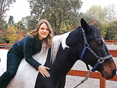 Jaycee Dugard Daughters Angel Starlit | PHOTO: Jaycee Dugard and Family Bond over Horses - Pet News : People.