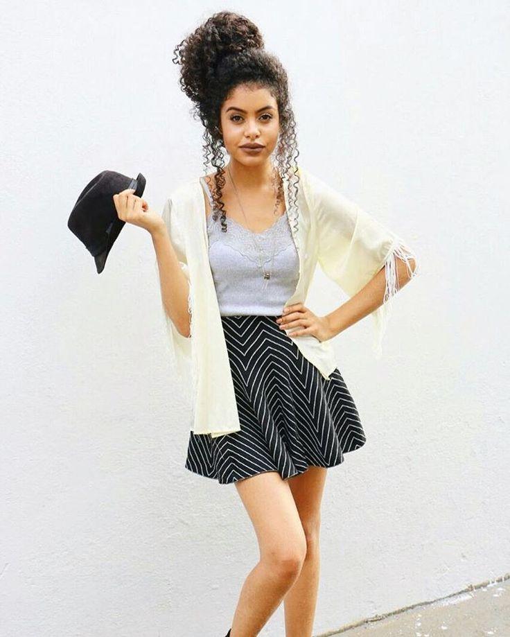 Strange 1000 Ideas About Curly Bun Hairstyles On Pinterest Curly Bun Short Hairstyles Gunalazisus